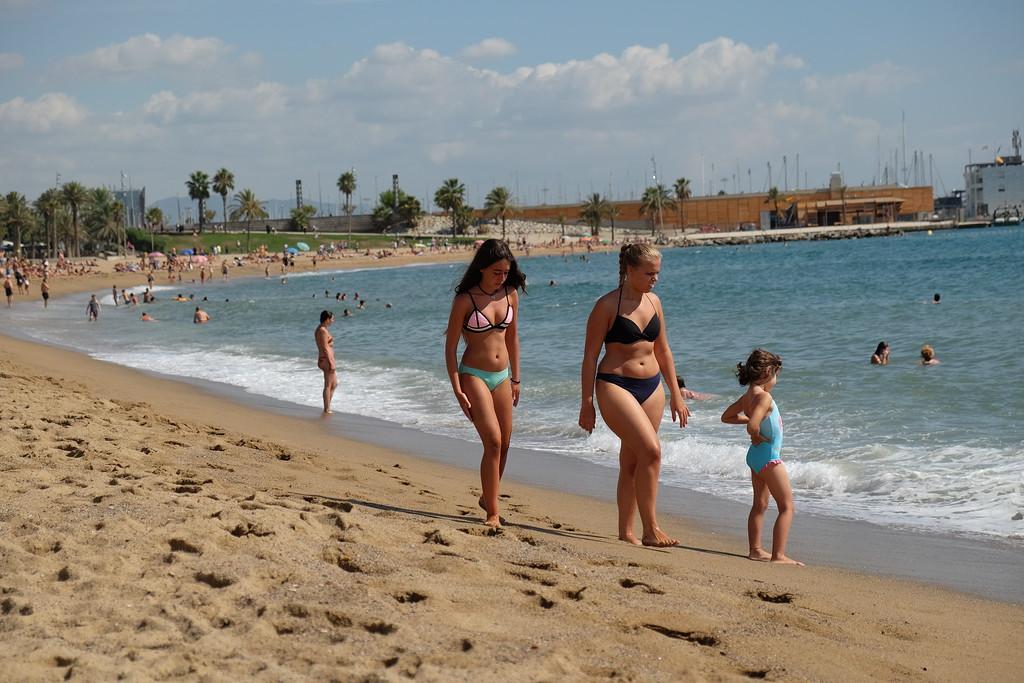 нудистском пляже на знакомство ютуб